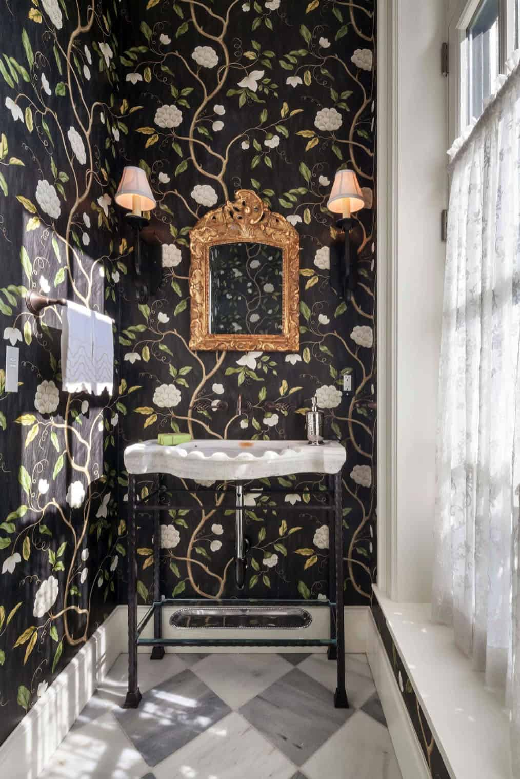 french-eclectic-powder-room