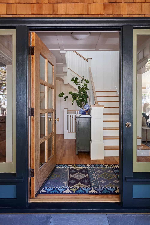 modern-craftsman-style-entry
