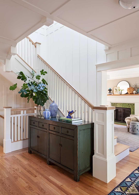 modern-craftsman-style-staircase