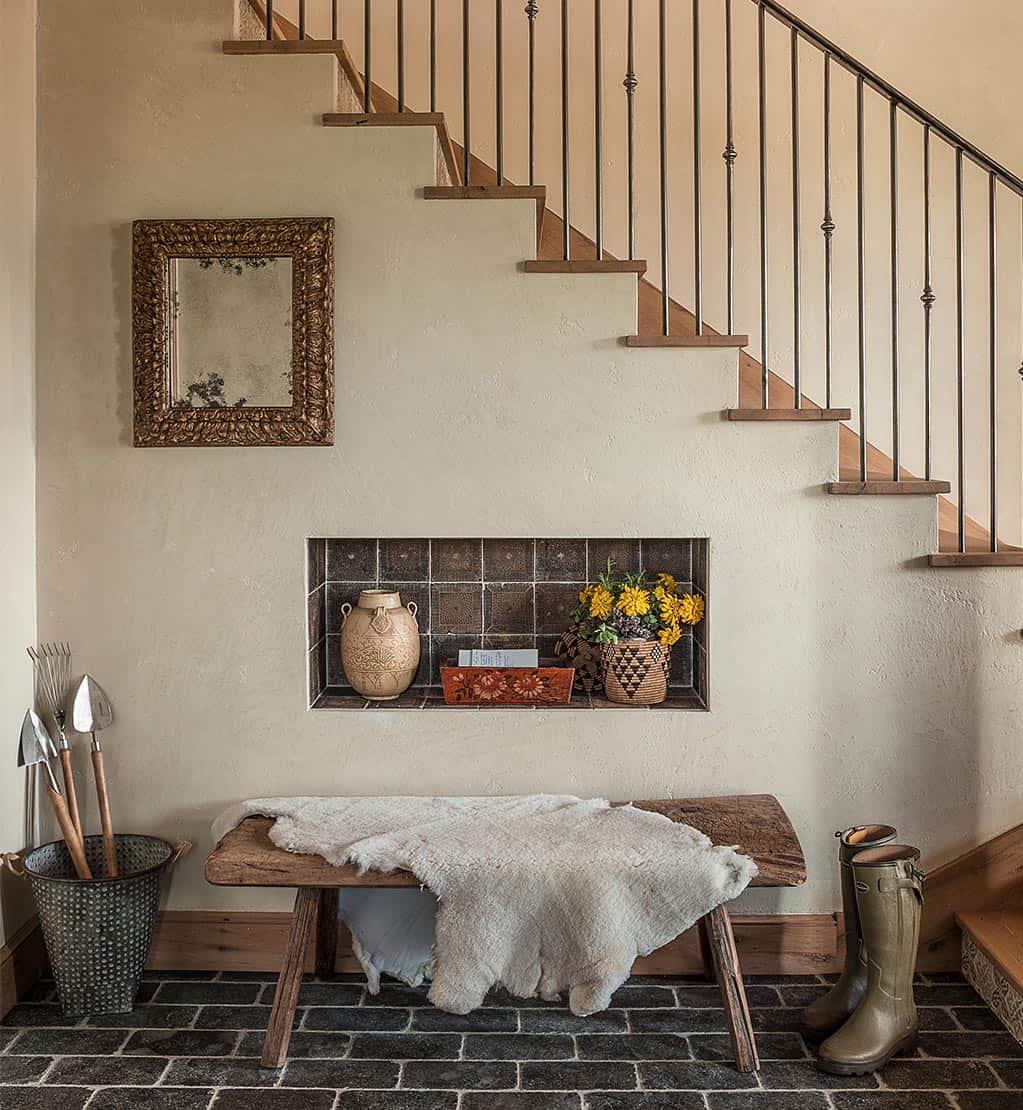 farmhouse-modern-staircase