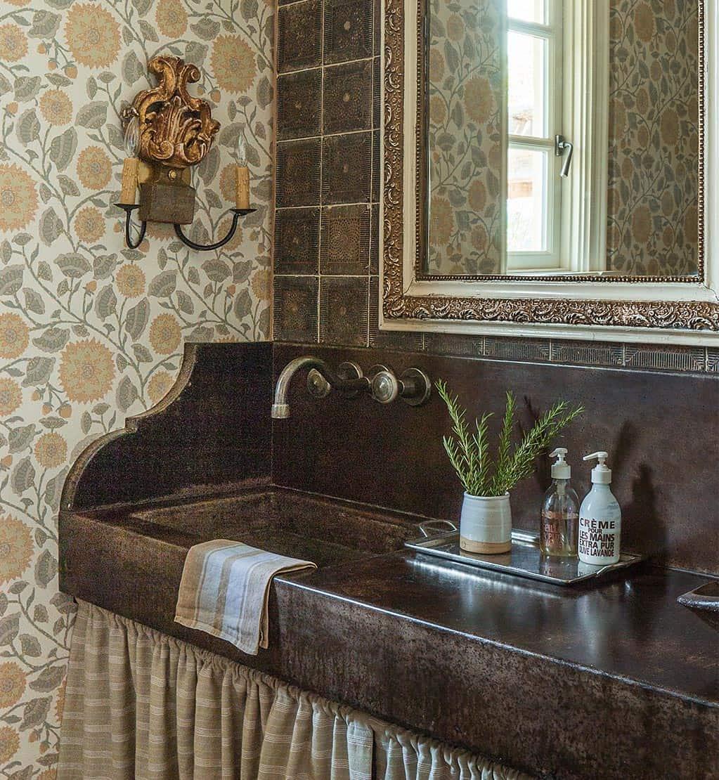 farmhouse-modern-powder-bathroom
