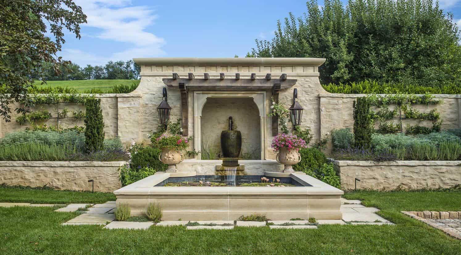 farmhouse-modern-home-landscape-water-feature