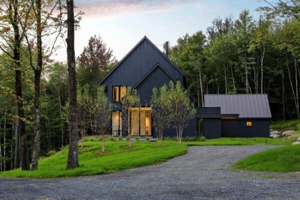 featured posts image for Elegant farmhouse surrounded by a beautiful woodsy property in Vermont