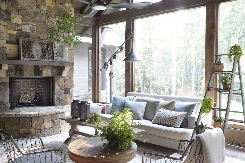modern-farmhouse-sunroom