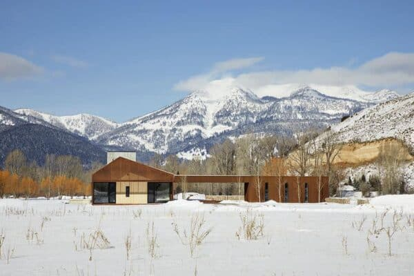 featured posts image for Incredible Wyoming mountain dwelling wraps minimalism in warmth