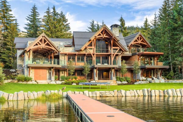 featured posts image for Modern timber frame home in Whistler designed for entertaining