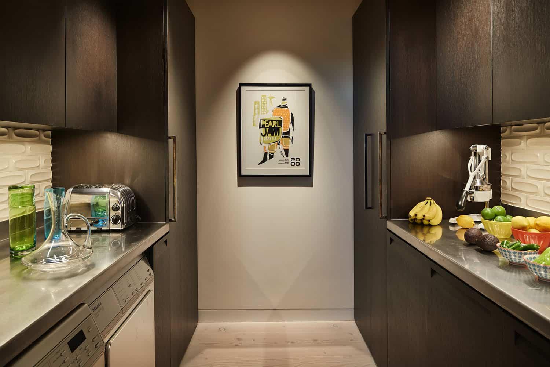 condo-contemporary-kitchen