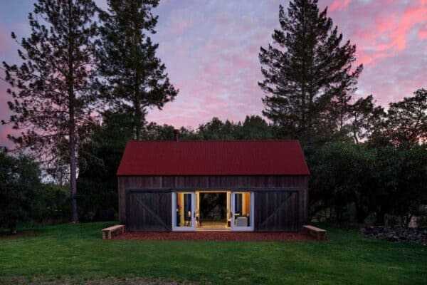 featured posts image for Cozy one room cabin provides ultimate escape in Sonoma wine country