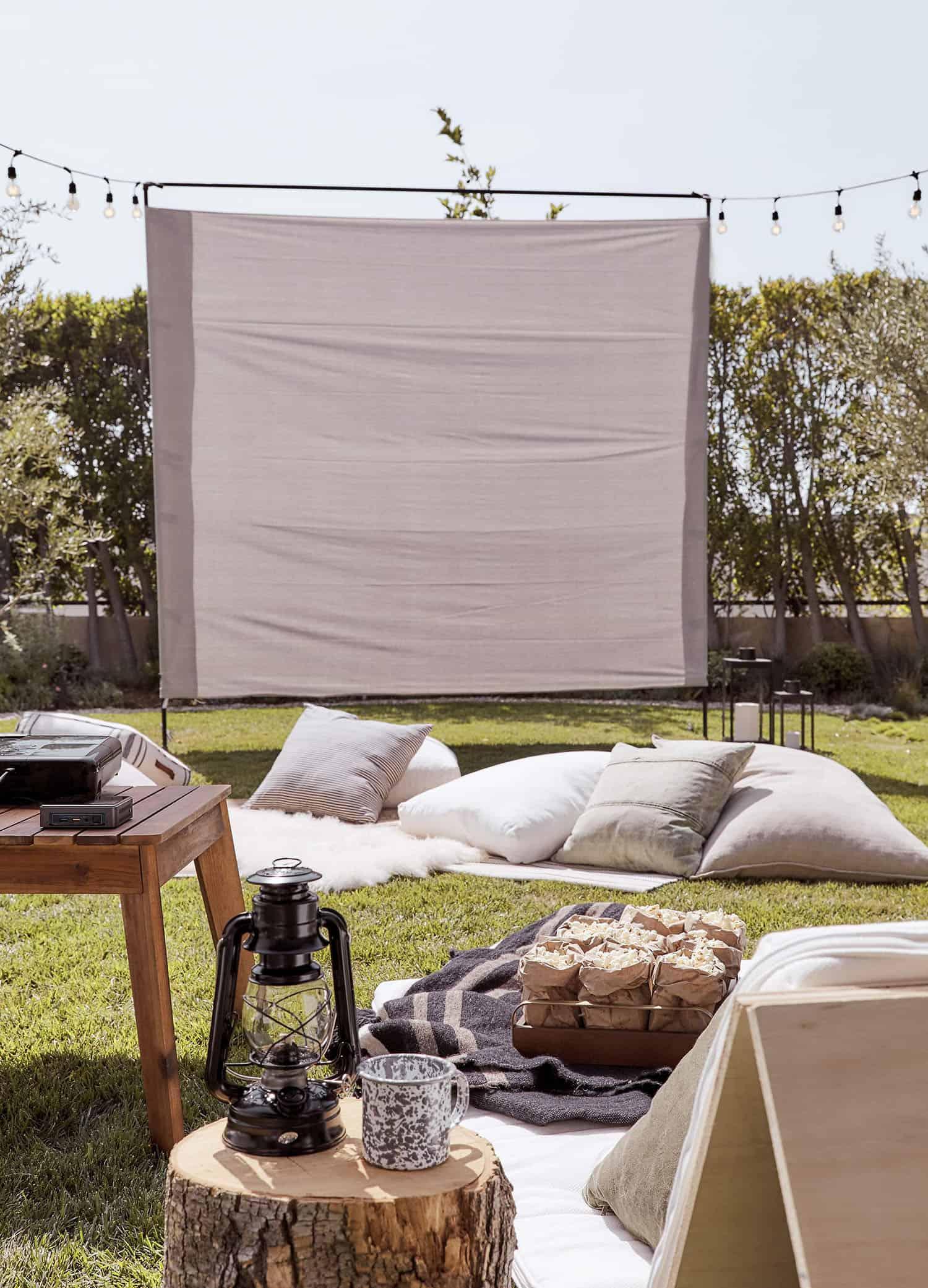 outdoor-movie-screen-ideas