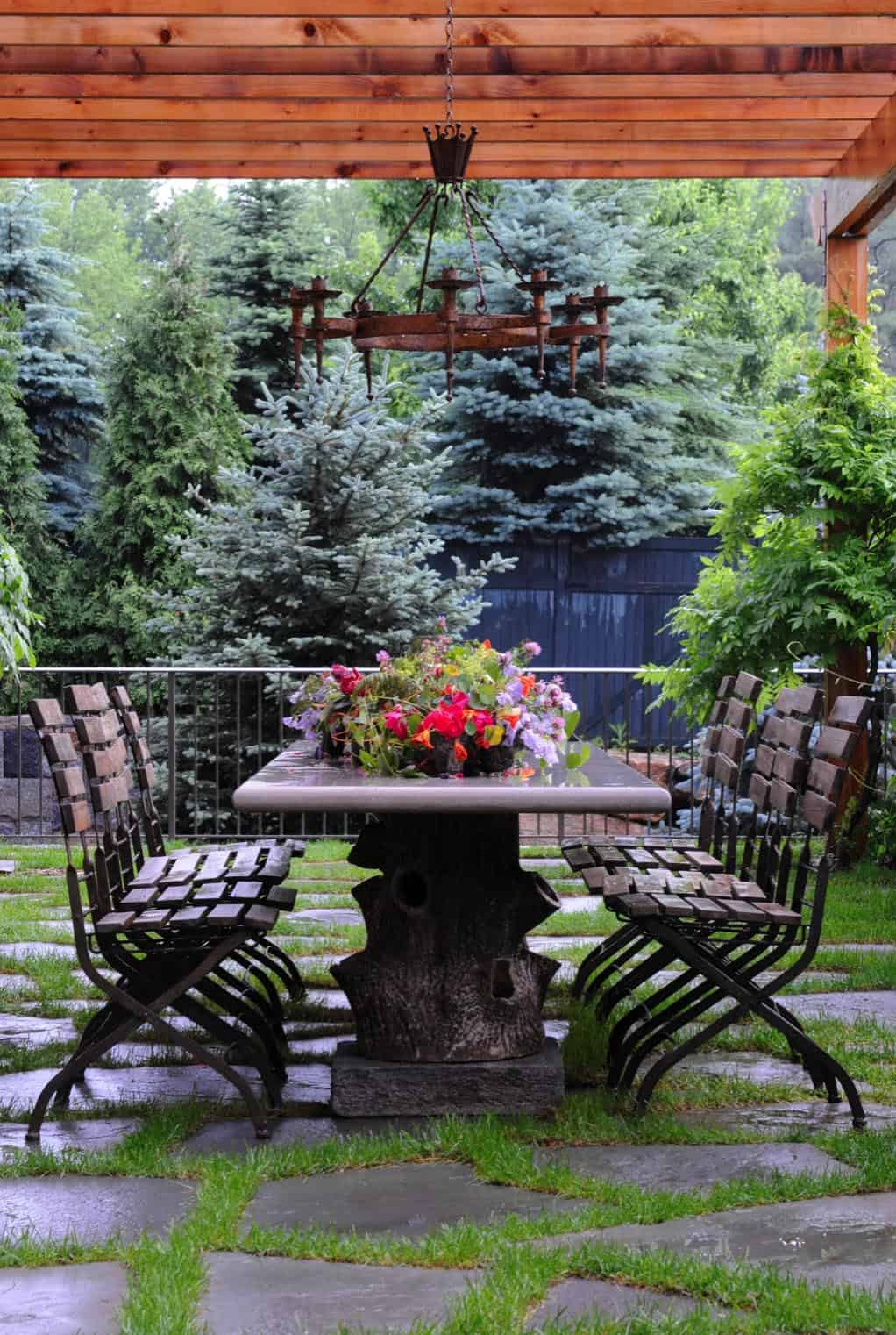 rustic-barn-farmhouse-patio