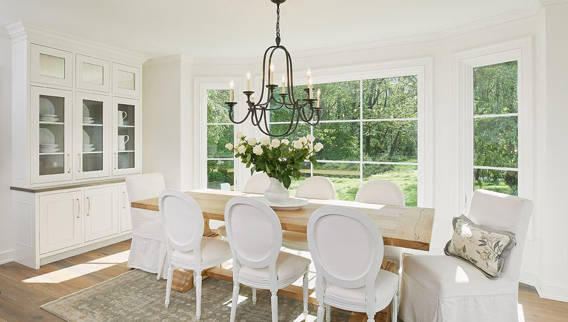 traditional-style-dining-room