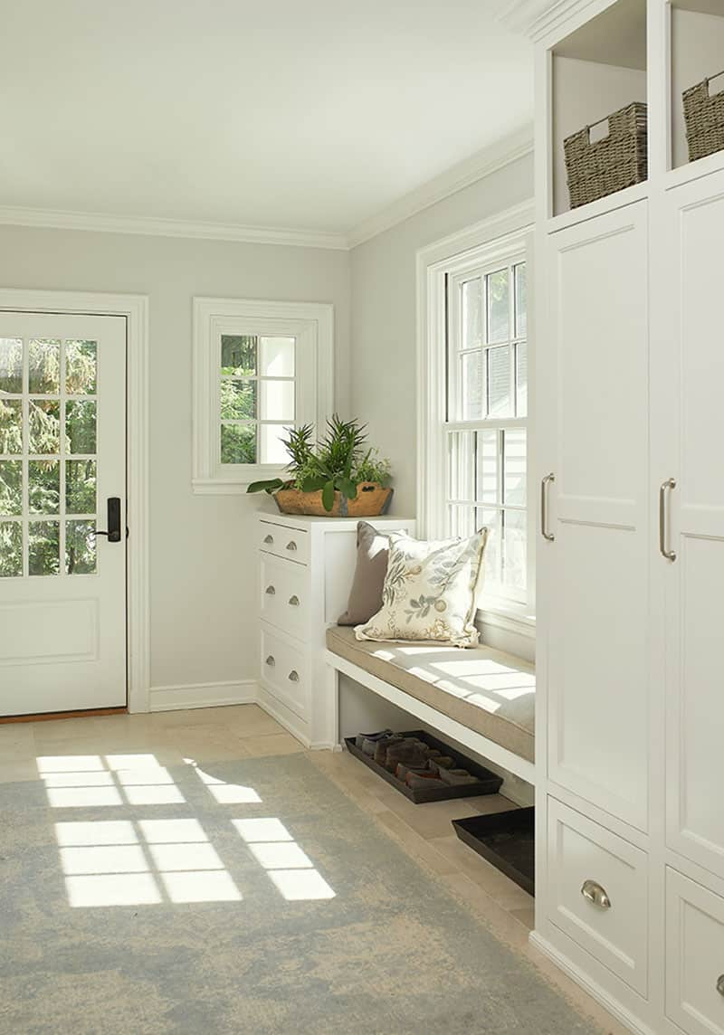 traditional-style-mudroom