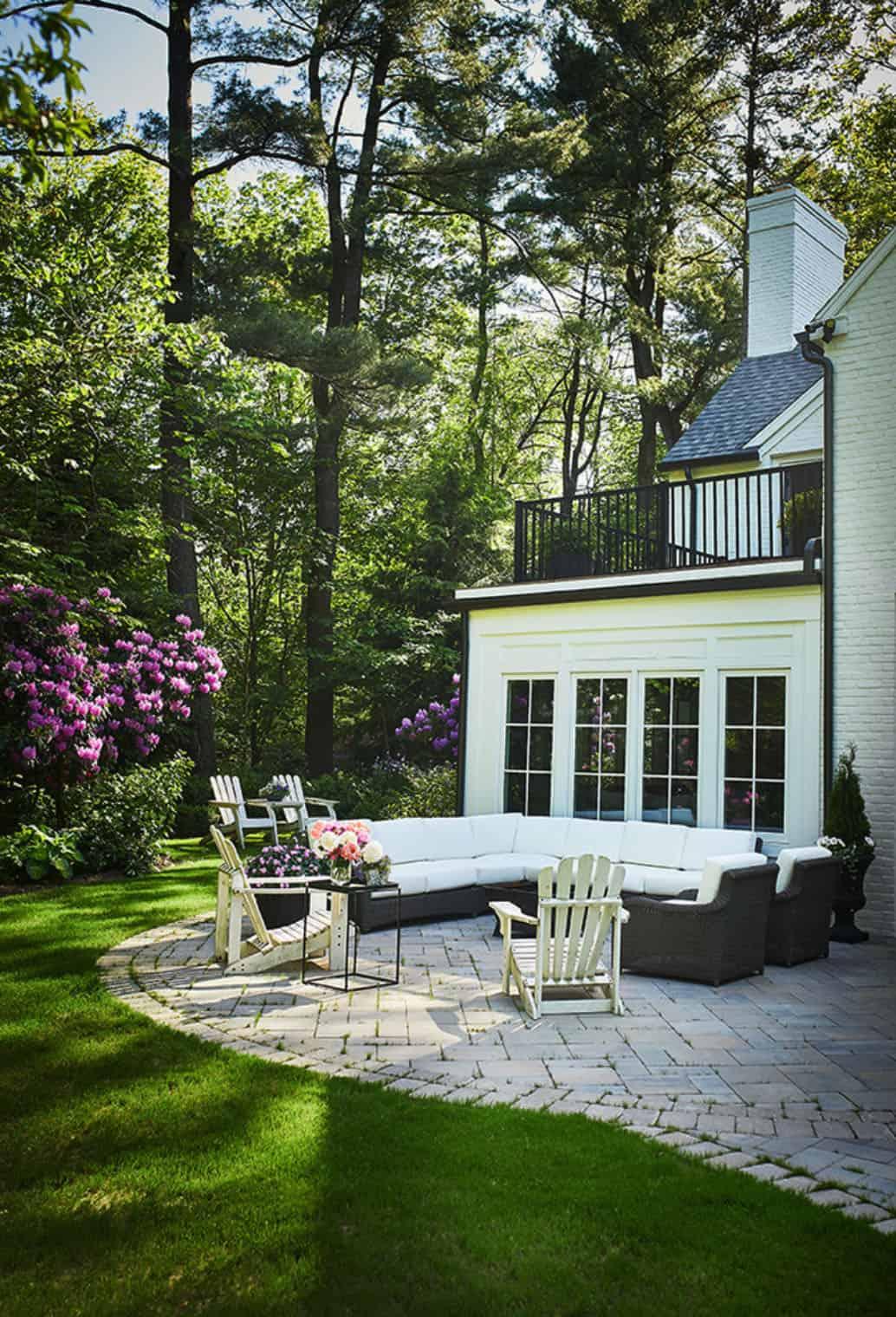 traditional-home-exterior-garden