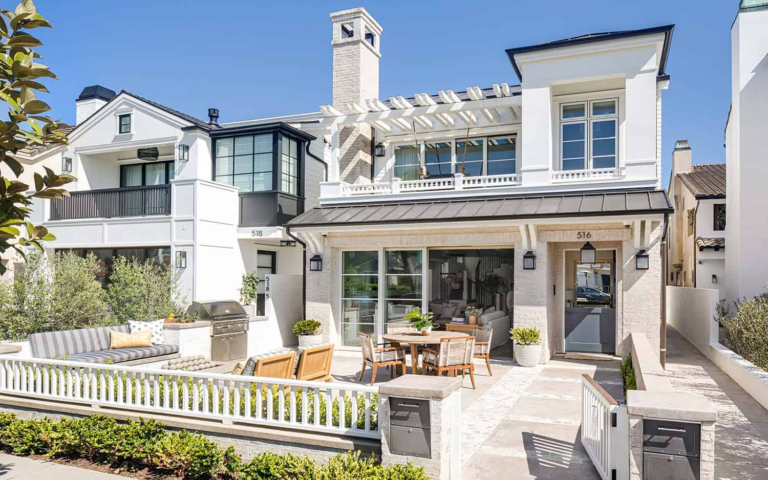 transitional-coastal-home-exterior