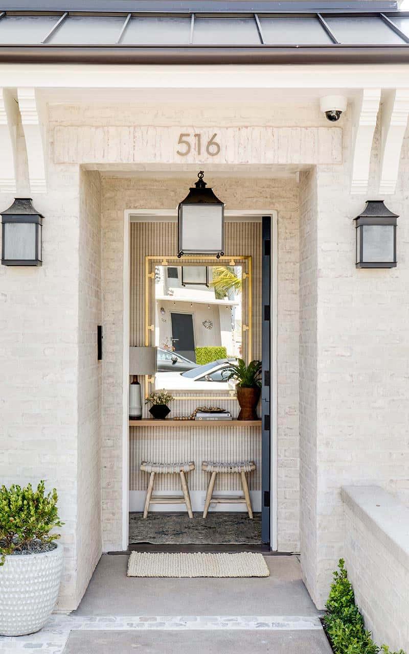 transitional-coastal-home-entry