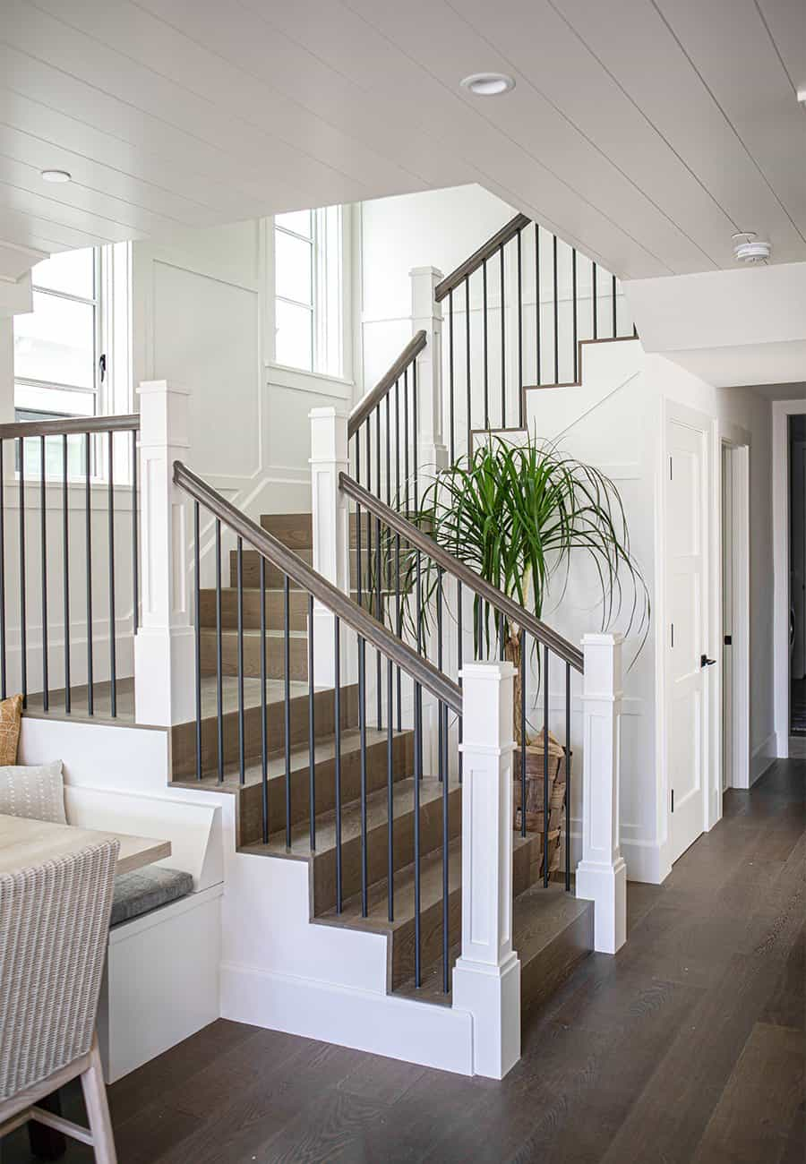 transitional-style-staircase