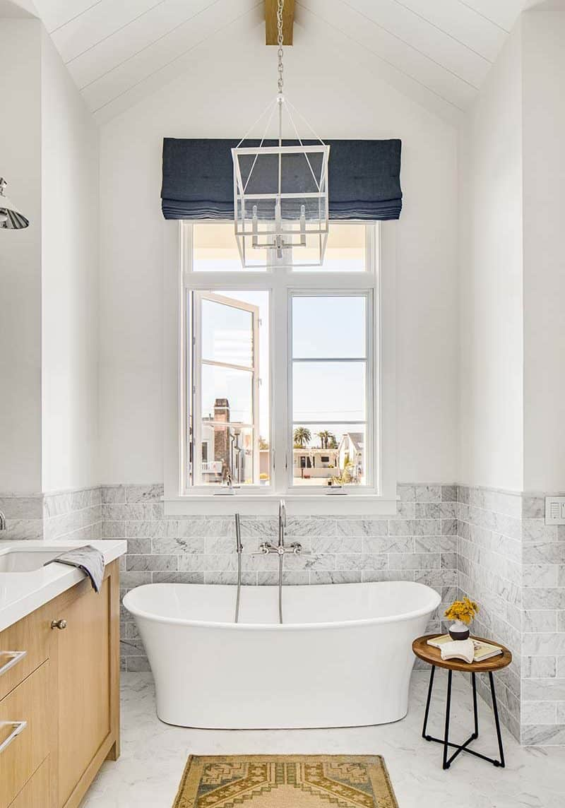 coastal-style-bathroom-tub