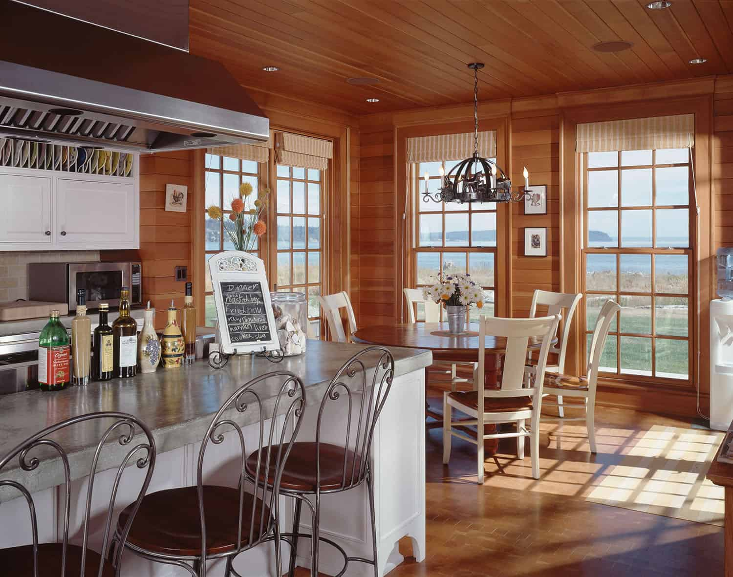 beach-house-style-kitchen