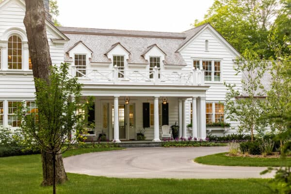 featured posts image for Tour a gorgeous colonial style lakeside home on Wayzata Bay, Minnesota