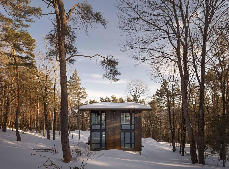compact-cabin-exterior