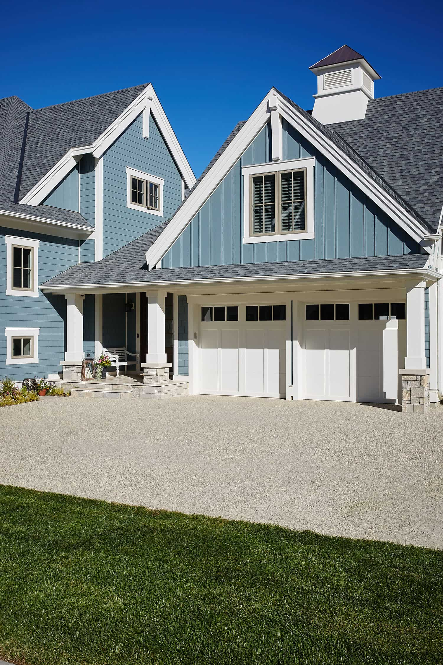 traditional-lakefront-home-exterior