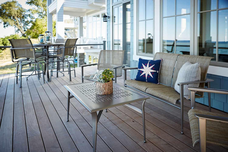 transitional-balcony