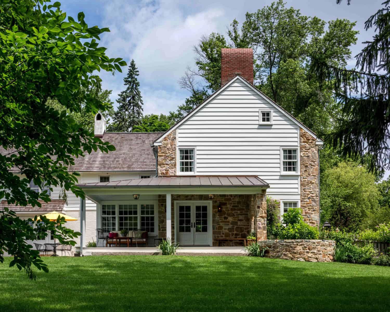 fieldstone-farmhouse-exterior