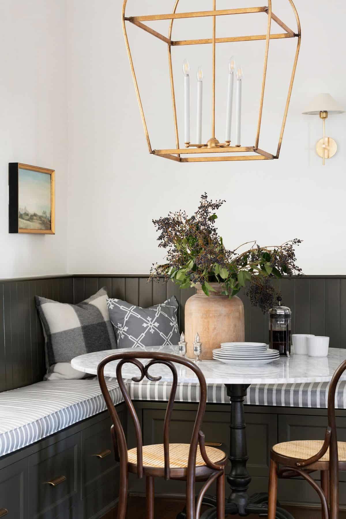 transitional-dining-nook