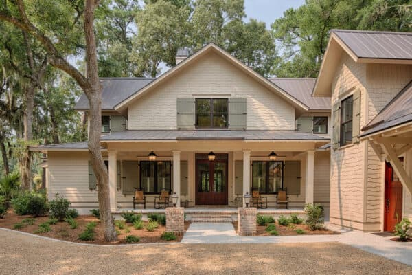 featured posts image for Inside this Low Country farmhouse in South Carolina with stunning details