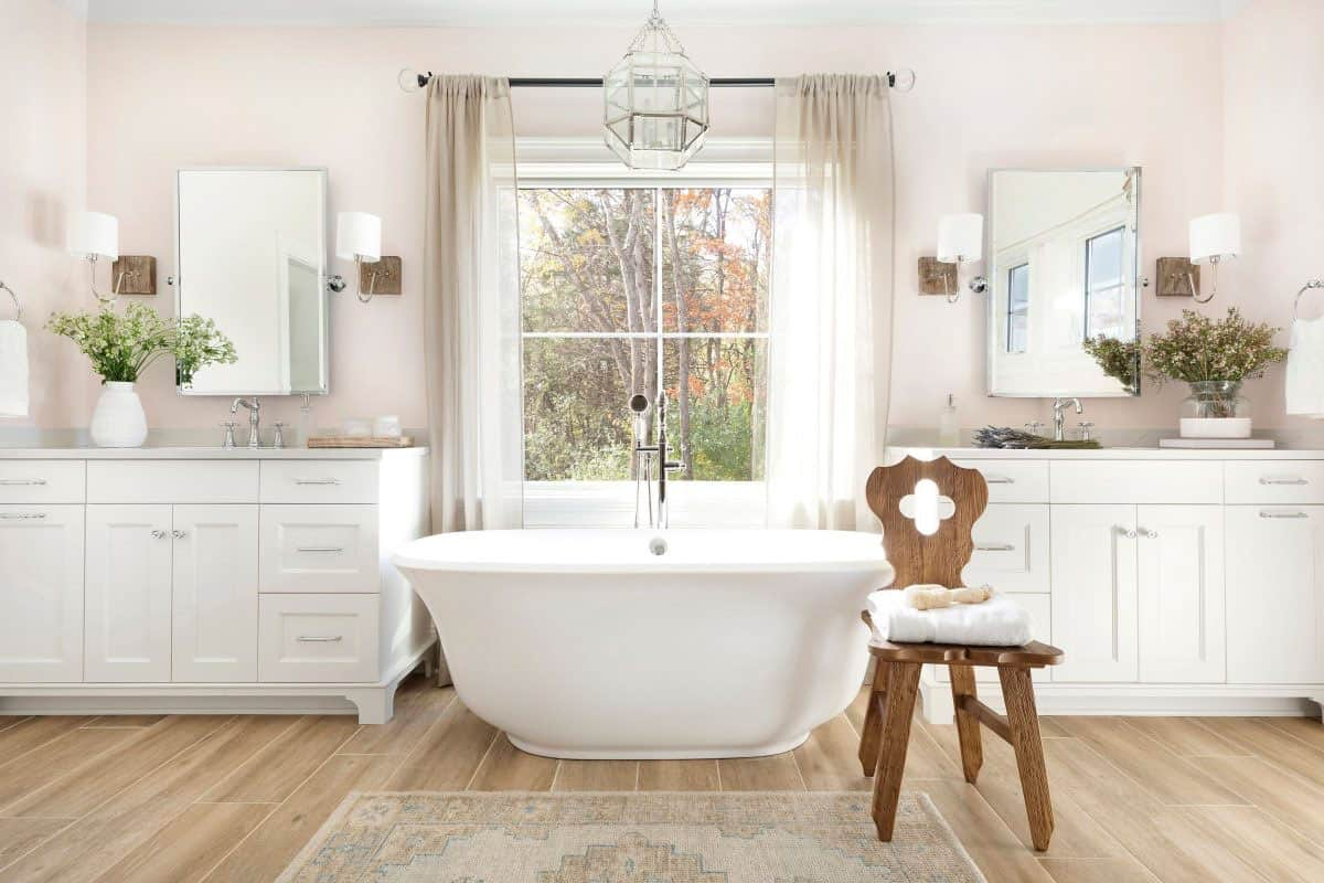 farmhouse-bathroom-tub