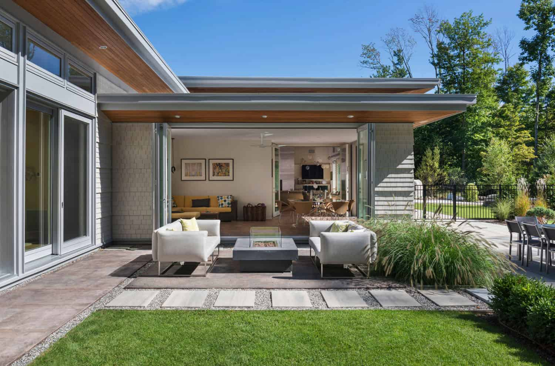 modern-house-contemporary-patio