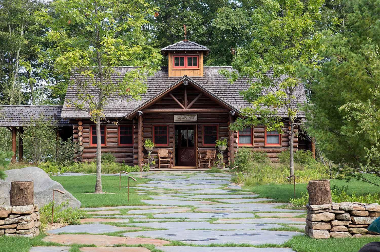 lake-camp-retreat-exterior