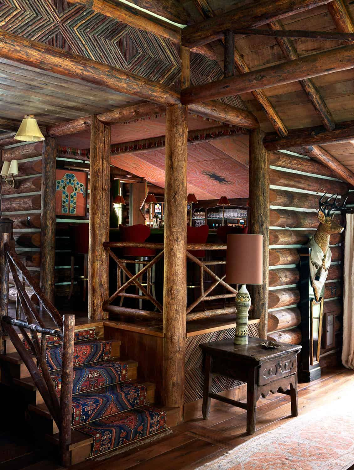 rustic-entry-staircase