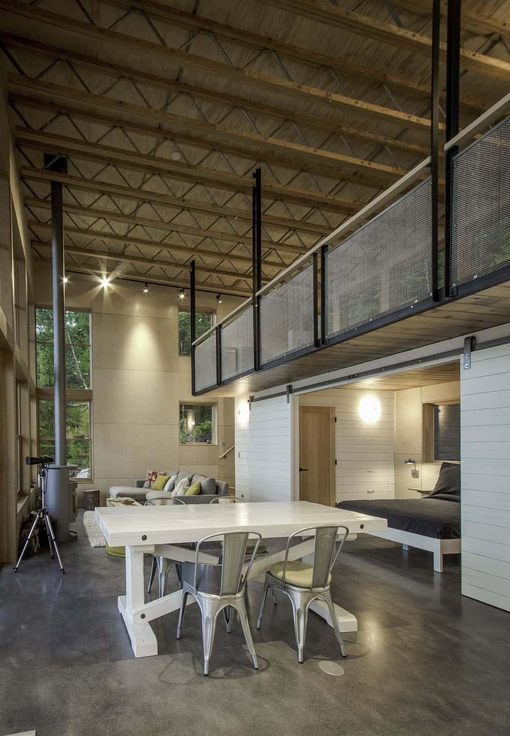 cabin-industrial-dining-room