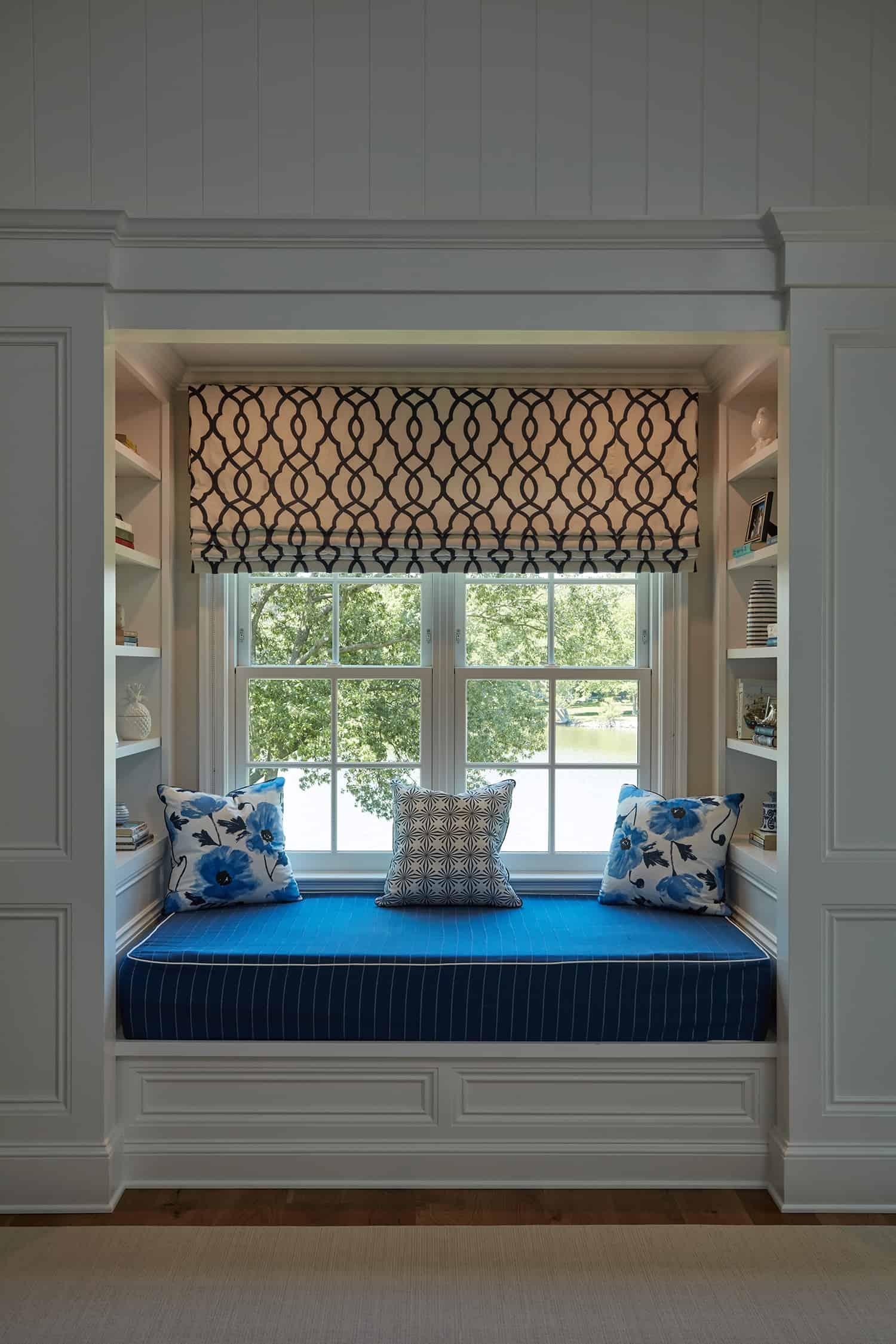 beach-style-bedroom-window-seat