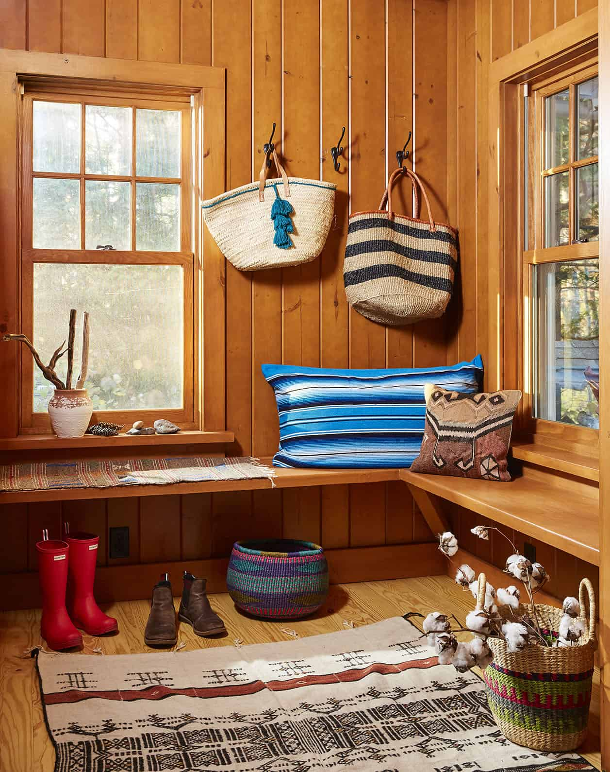 rustic-mudroom