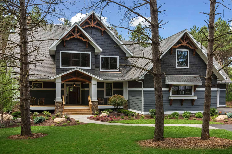 organic-mountain-style-home-exterior
