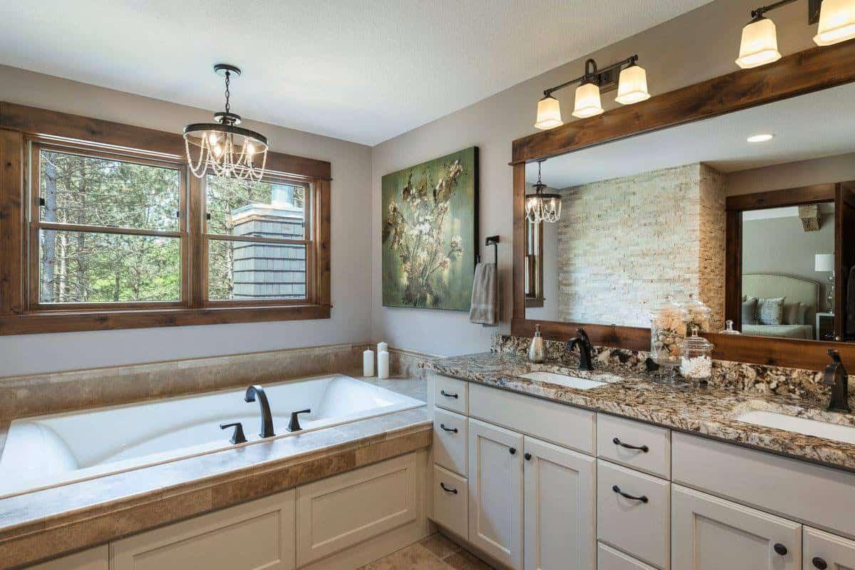 organic-mountain-style-bathroom