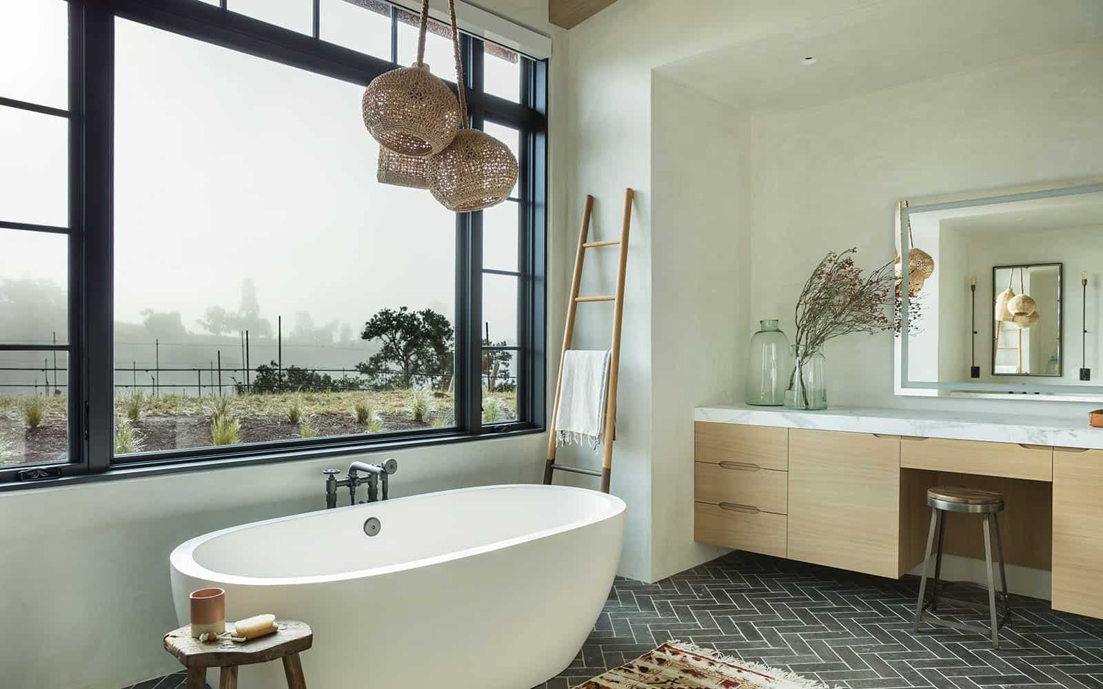 santa-barbara-country-style-bathroom