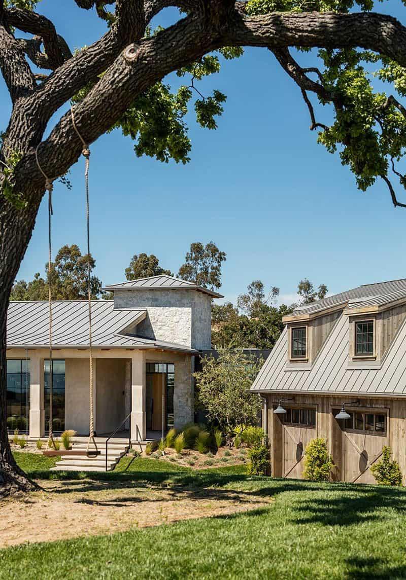 farmhouse-style-exterior