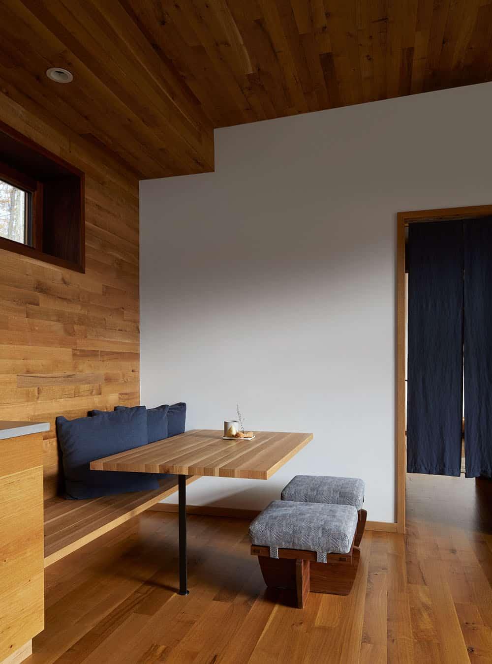 scandinavian-guest-home-dining-nook