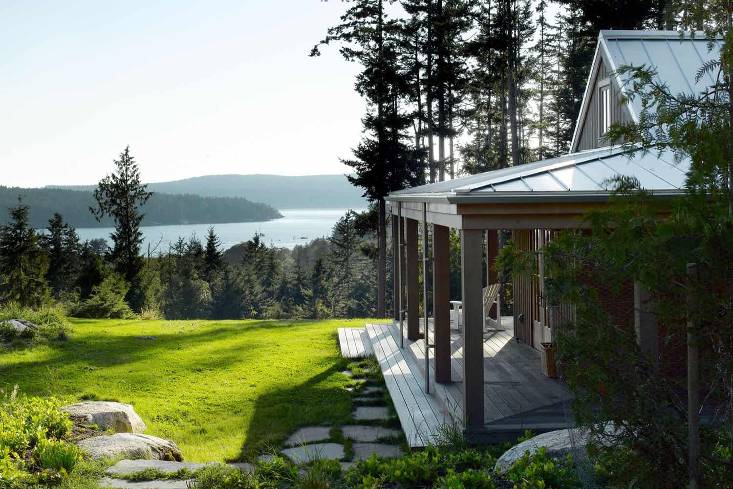 Secluded cabin retreat on the San Juan Islands with a writer's cottage