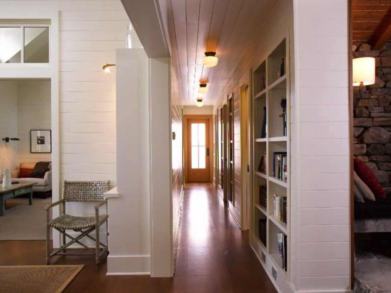 cabin-hall