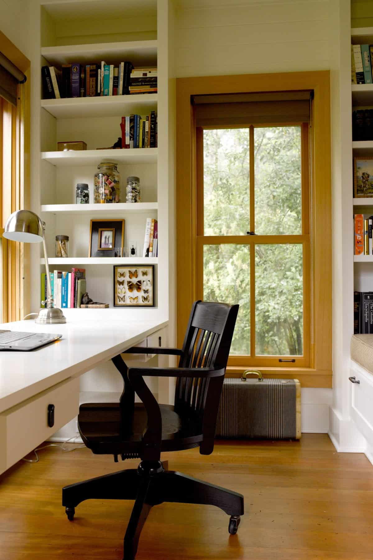 cabin-home-office