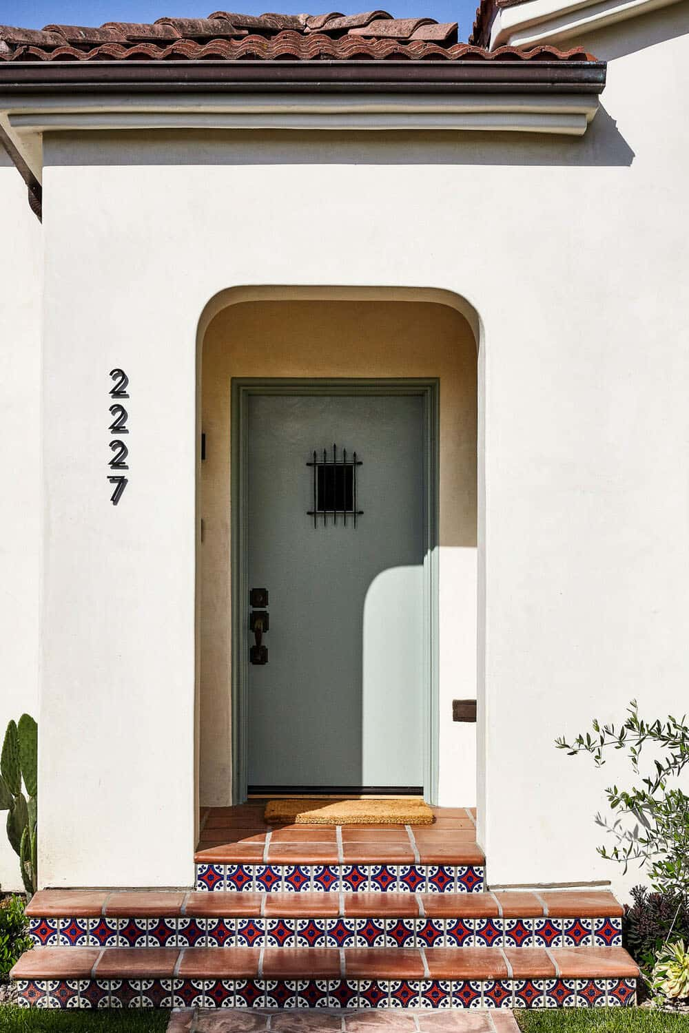 spanish-style-bungalow-entry