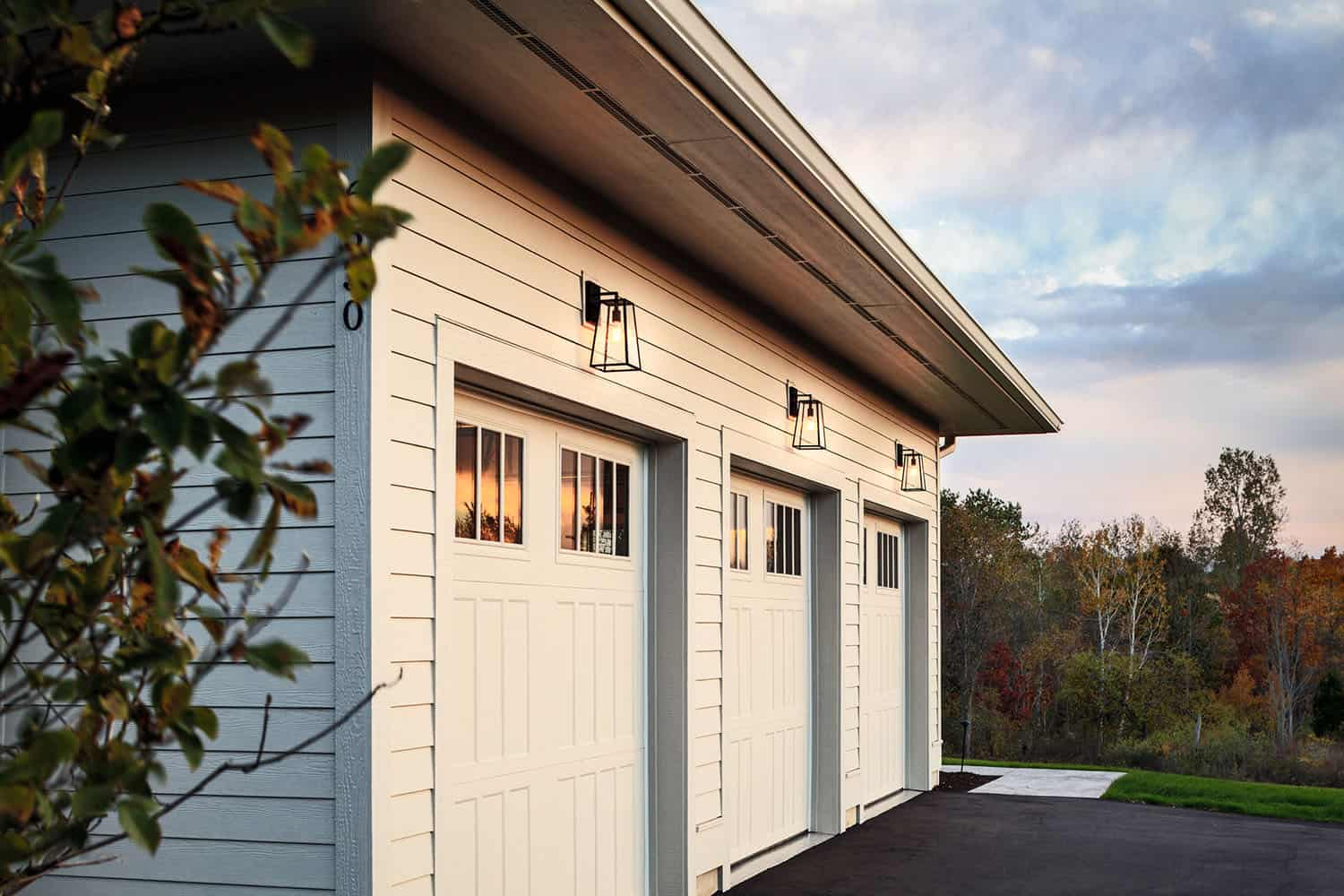 transitional-garage