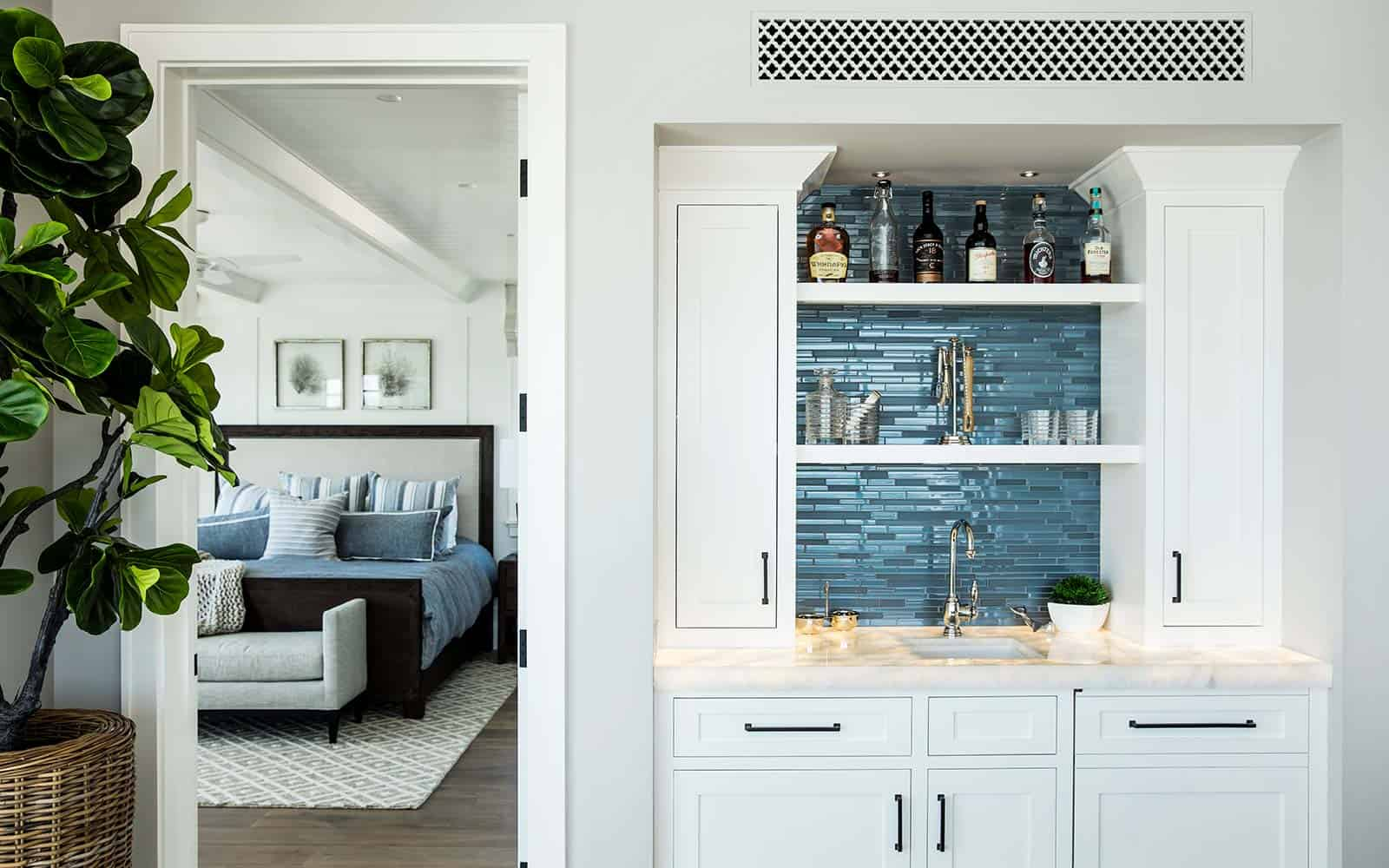 transitional-style-home-bar