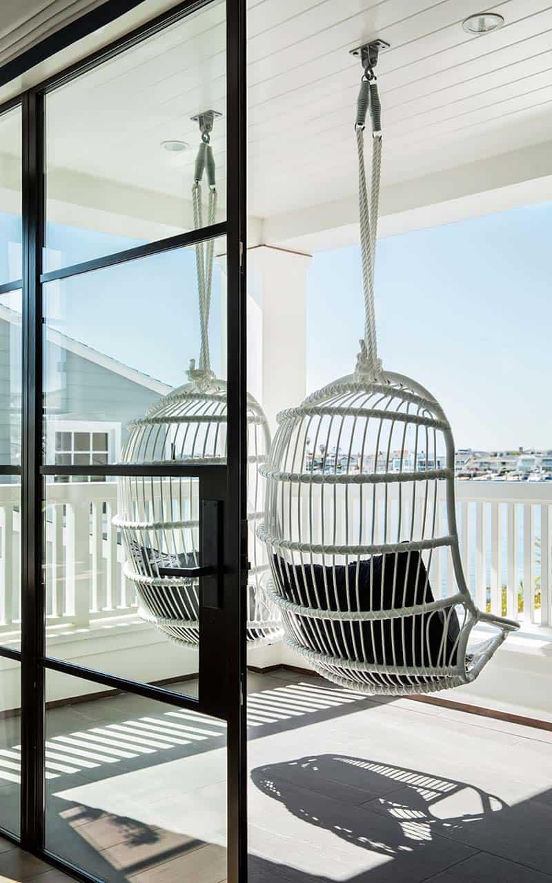 transitional-style-balcony