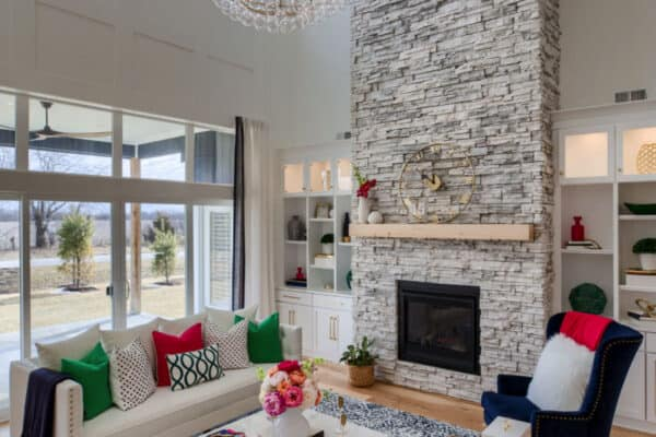 featured posts image for Beautifully inspiring transitional style model home tour in Missouri