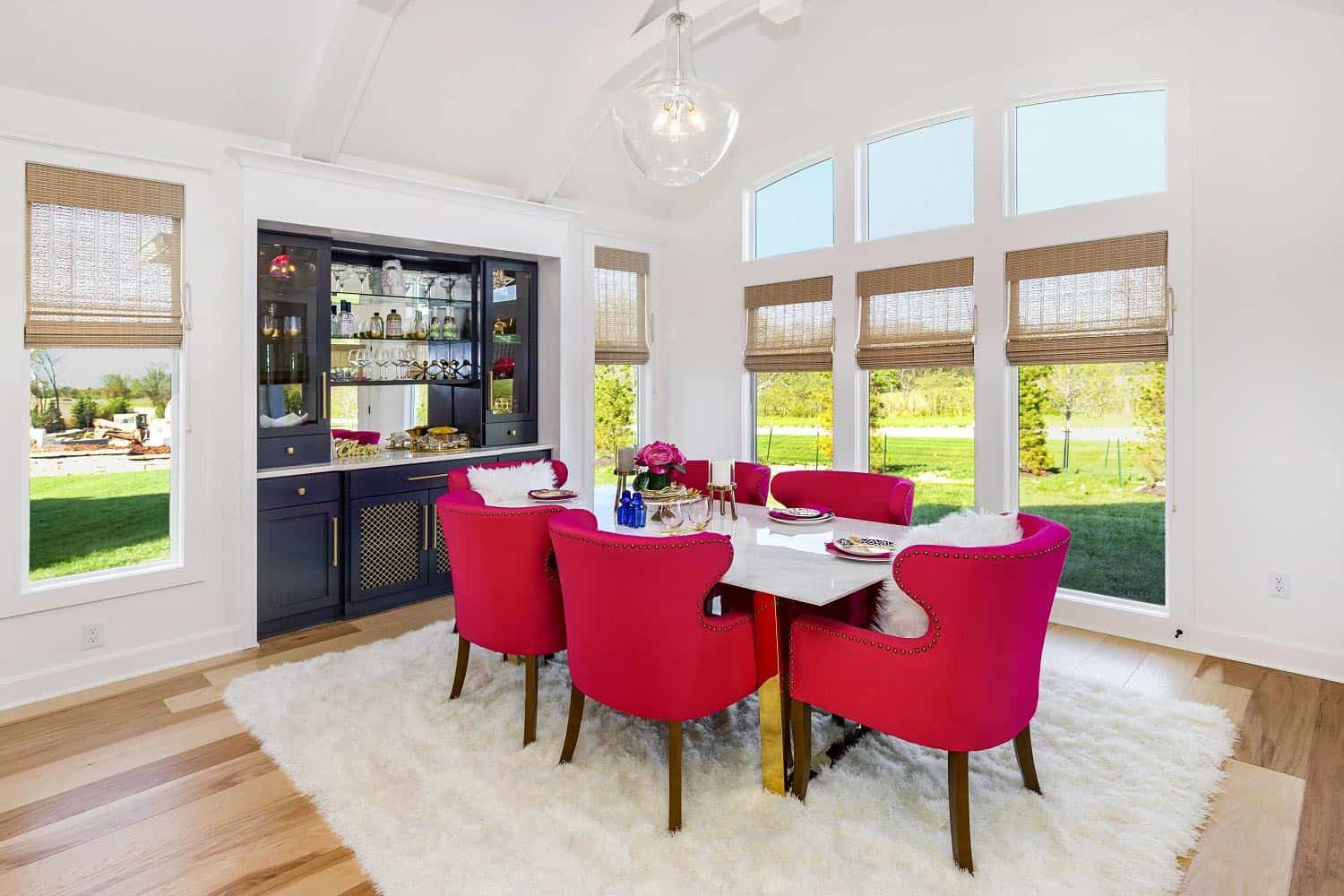 transitional-model-home-tour-dining-room